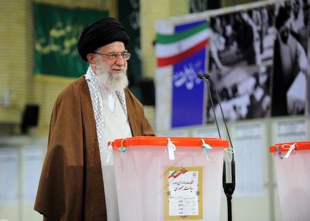 Iran's Supreme Leader Ayatollah Ali Khamenei casts his vote during the presidential election in Tehran, Iran, May 19, 2017. Leader.ir/Handout via REUTERS