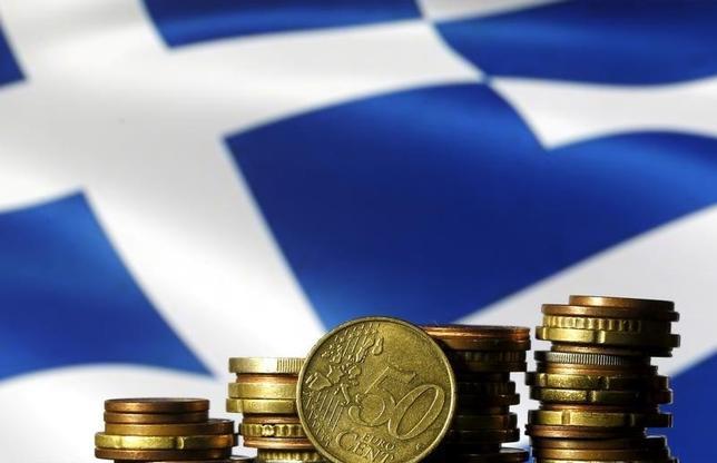 5月22日、ユーロ圏の財務相と国際通貨基金(IMF)は、ギリシャの債務軽減を巡り合意を目指す。IMFは内容の明確化を求めているのに対し、ドイツは詳細を今後詰めることを望んでいる。写真は2015年6月撮影(2017年 ロイター/Dado Ruvic)