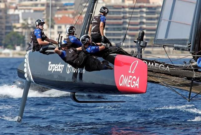 France Sailing -  Louis Vuitton America's Cup World series - Toulon, France - 11/09/2016 - Emirates Team New Zealand team members in action.  REUTERS/Jean-Paul Pelissier