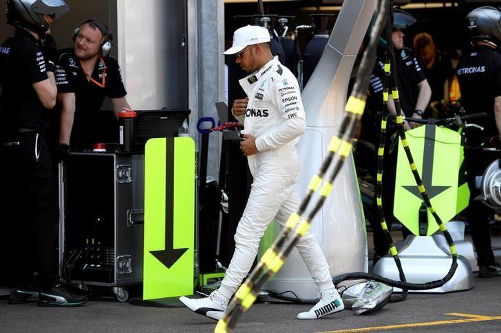 Formula One - F1 - Monaco Grand Prix - Monaco - 27/05/2017 - Mercedes' Lewis Hamilton leaves the pit during the qualifying session. REUTERS/Andrej Isakovic/Pool