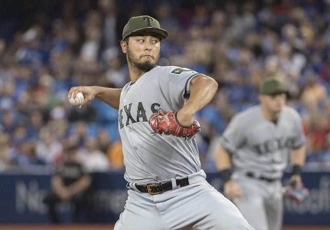 5月27日、MLBレンジャーズのダルビッシュ有投手は、敵地でのブルージェイズ戦に先発登板。6回3失点で今季3敗目を喫した(2017年 ロイター/NickTurchiaro-USA TODAY Sports)