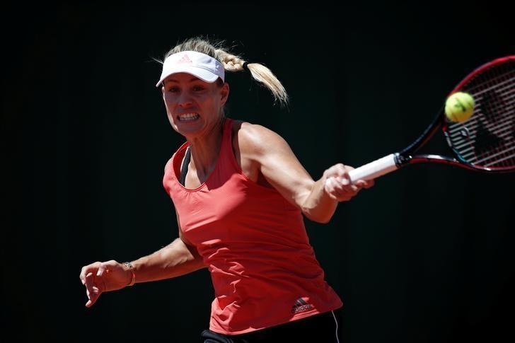 Tennis - French Open - Roland Garros - Paris - 26/05/2017 - Angelique Kerber of Germany attends a training session. REUTERS/Benoit Tessier