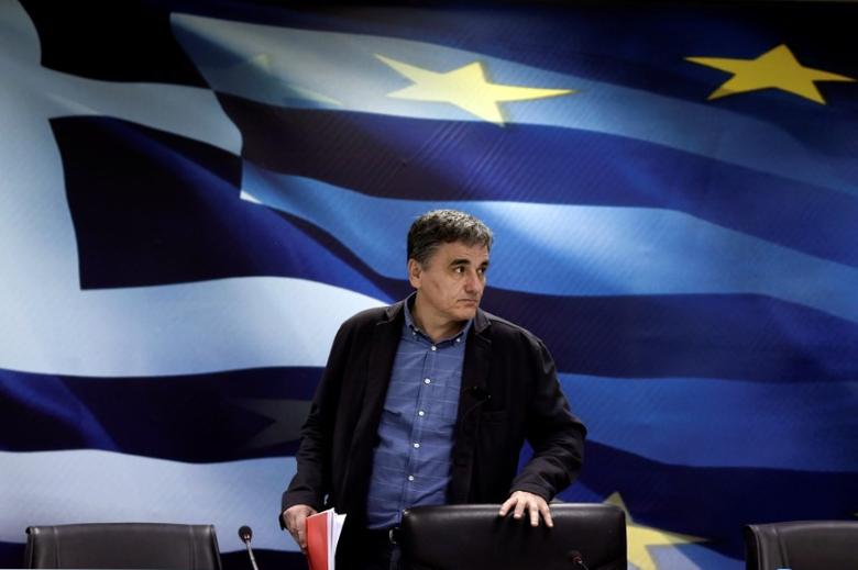 Greek Finance Minister Euclid Tsakalotos arrives for a news conference at the ministry in Athens, Greece March 30, 2017. REUTERS/Alkis Konstantinidis