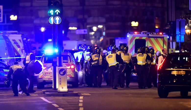 Police respond to an incident on London Bridge. REUTERS/Hannah McKay