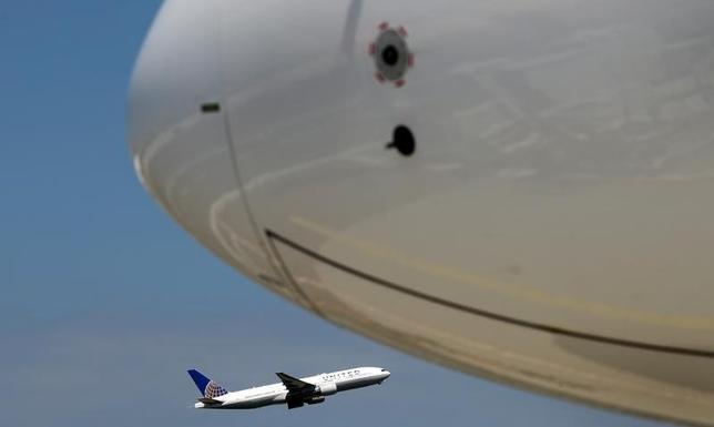 6月5日、米ユナイテッド航空は、ラップトップを装った爆発物がそのまま機内で爆発する危険性を、航空当局が懸念していると明らかにした。5月撮影(2017年 ロイター/Kai Pfaffenbach)