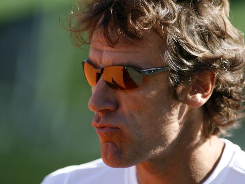 Mats Wilander, captain of the Sweden Davis Cup team, watches his team train ahead of their quarter-final match against Argentina in Buenos Aires April 8, 2008. REUTERS/Enrique Marcarian