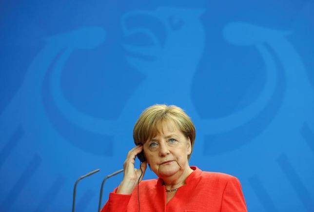 6月7日、ドイツのメルケル首相(写真)は、欧州連合(EU)離脱を巡る英国との交渉が英総選挙後すぐに始まるとの見通しを示した。ベルリンで撮影(2017年 ロイター/Hannibal Hanschke)