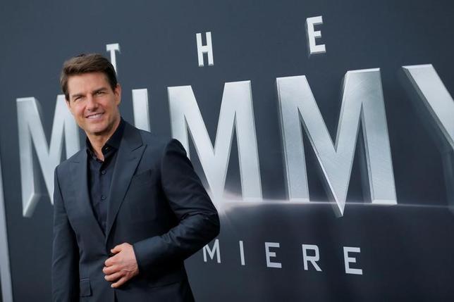 6月7日、米俳優トム・クルーズ(54)はニューヨークで6日に行われた新作映画「ザ・マミー/呪われた砂漠の王女」(日本公開7月28日)のプレミア上映会で、休暇をとるよりも映画撮影の方が好きだと語った(2017年 ロイター/Lucas Jackson)