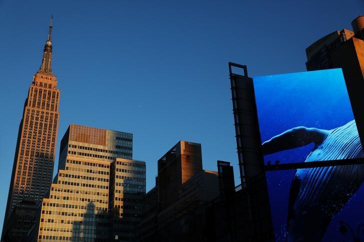 2017年5月3日,纽约,夕阳映照下的帝国大厦。REUTERS/Shannon Stapleton