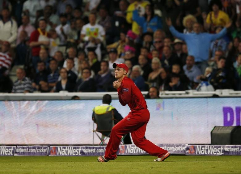 Cricket - NatWest T20 Blast Finals Day - Edgbaston - 29/8/15 Lancashires Liam Livingstone takes a catch to dismiss Northamptonshires Shahid Afridi  (not pictured) Mandatory Credit: Action Images / Andrew Boyers Livepic
