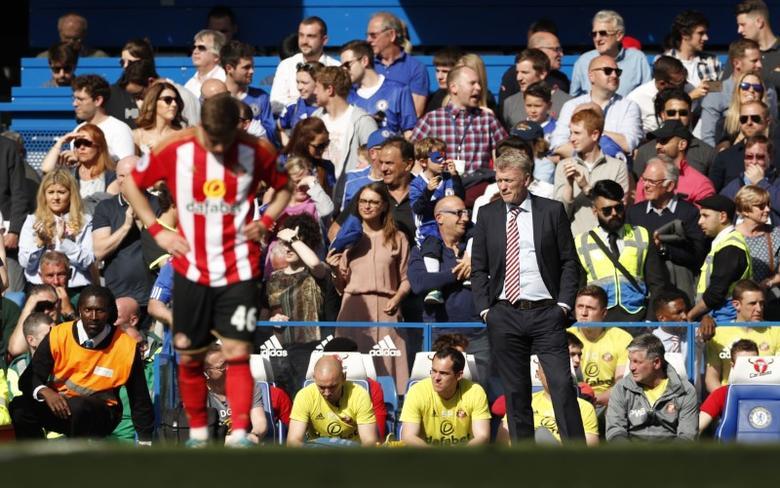 Britain Football Soccer - Chelsea v Sunderland - Premier League - Stamford Bridge - 21/5/17 Sunderland manager David Moyes looks dejected  Action Images via Reuters / John Sibley Livepic