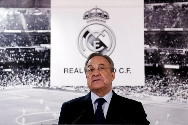 FILE PHOTO: Real Madrid's President Florentino Perez looks on as he appears before the media at Santiago Bernabeu stadium in Madrid, Spain, January 4, 2016. REUTERS/Juan Medina   Picture Supplied by Action Images