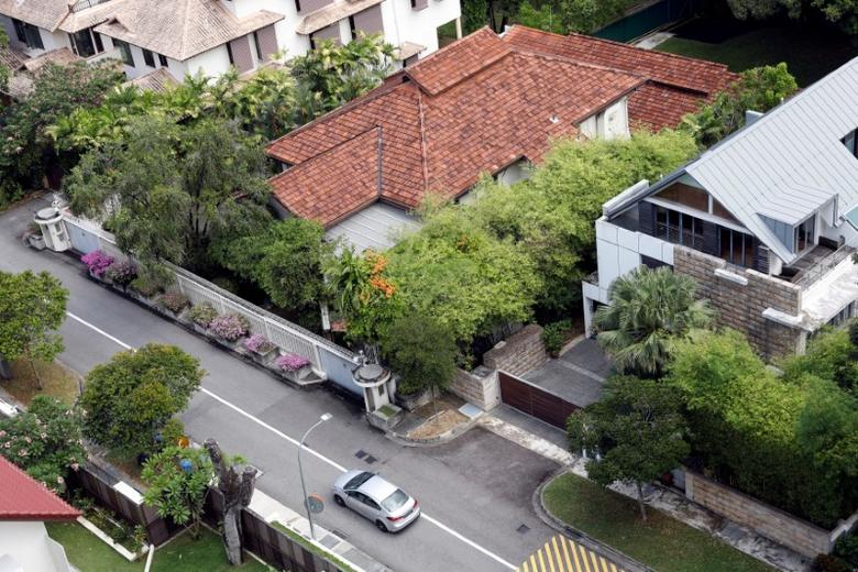 FILE PHOTO: A view of former Prime Minister Lee Kuan Yew's Oxley Road residence in Singapore June 14, 2017. REUTERS/Edgar Su/File Photo