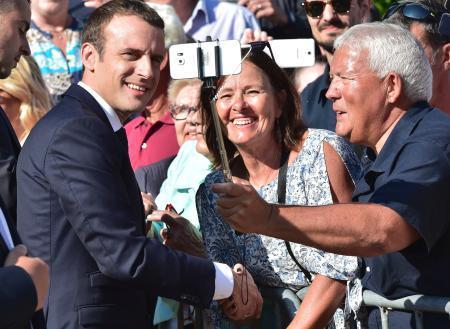 仏総選挙、マクロン新党大勝
