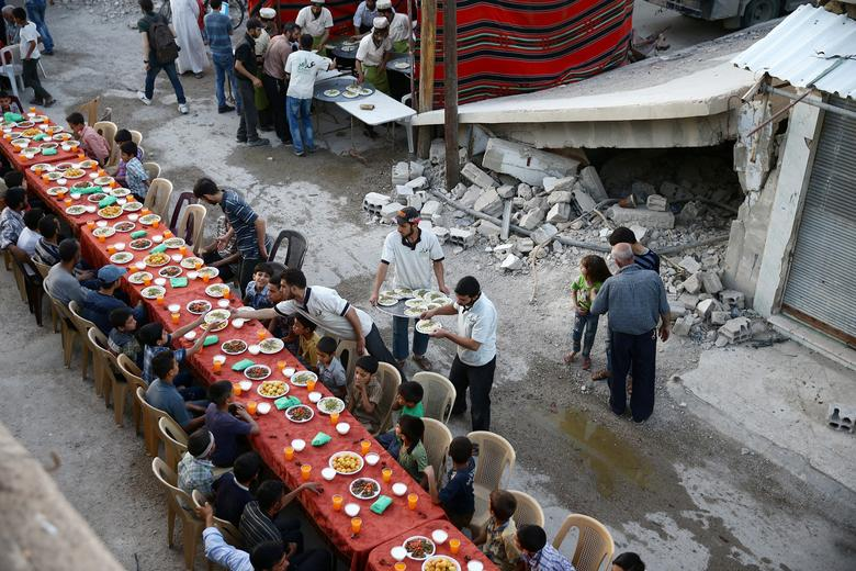 Ramadan in a time of war | Reuters com