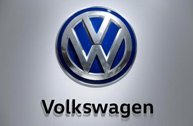 6月23日、ドイツの自動車大手フォルクスワーゲンは、国内の裁判所が賠償を求める原告団の主張を支持した排ガス不正を巡る2件の訴訟について、控訴しないことを決定した。2016年4月撮影(2017年 ロイター/Wolfgang Rattay)