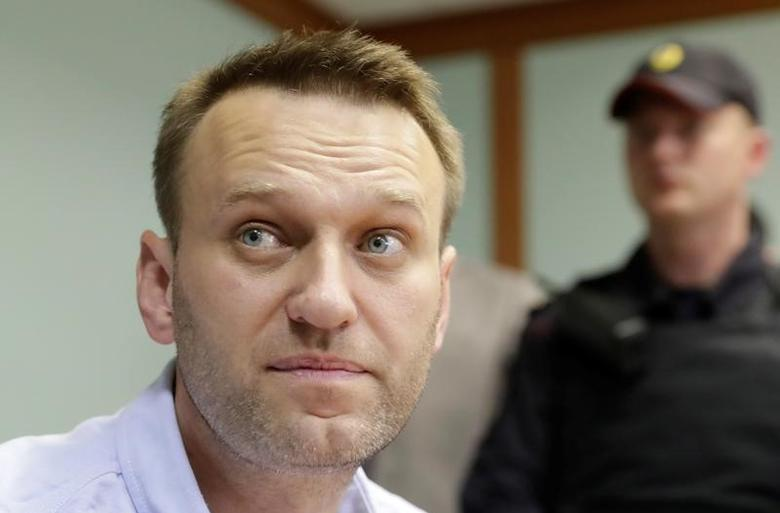 Russia S Election Commission Says Navalny Can Not Run For Presidency Reuters Com