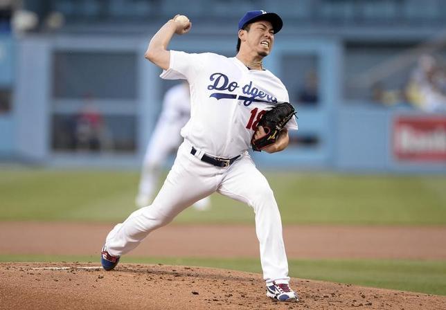 6月27日、MLBドジャースの前田健太投手は、地元でのエンゼルス戦に先発登板し、今季6勝目を挙げた(2017年 ロイター/Gary A. Vasquez-USA TODAY Sports)