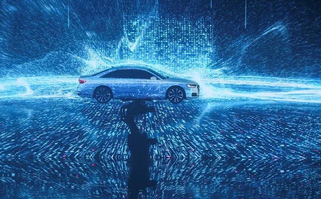 7月11日、独フォルクスワーゲン(VW)の高級自動車部門アウディは、新たな自動運転車「A8」を発表した。写真はA8。バルセロナでの発表会で撮影(2017年 ロイター/Albert Gea)