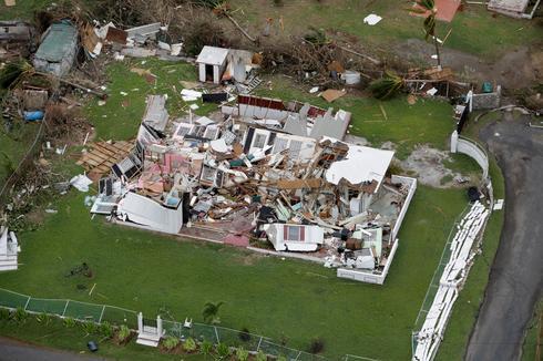 Hurricane Maria hammers Caribbean