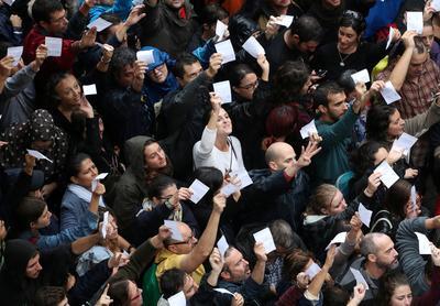Defiant Catalans vote despite crackdown