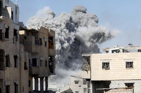 Battle for Islamic State's de facto capital