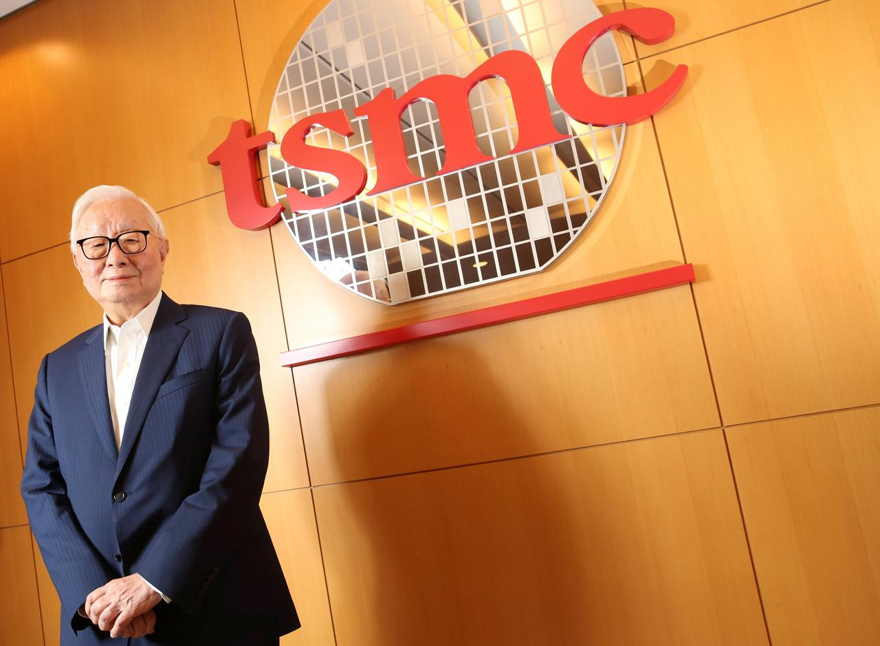 Retiring TSMC founder predicts fewer doctors, no taxi