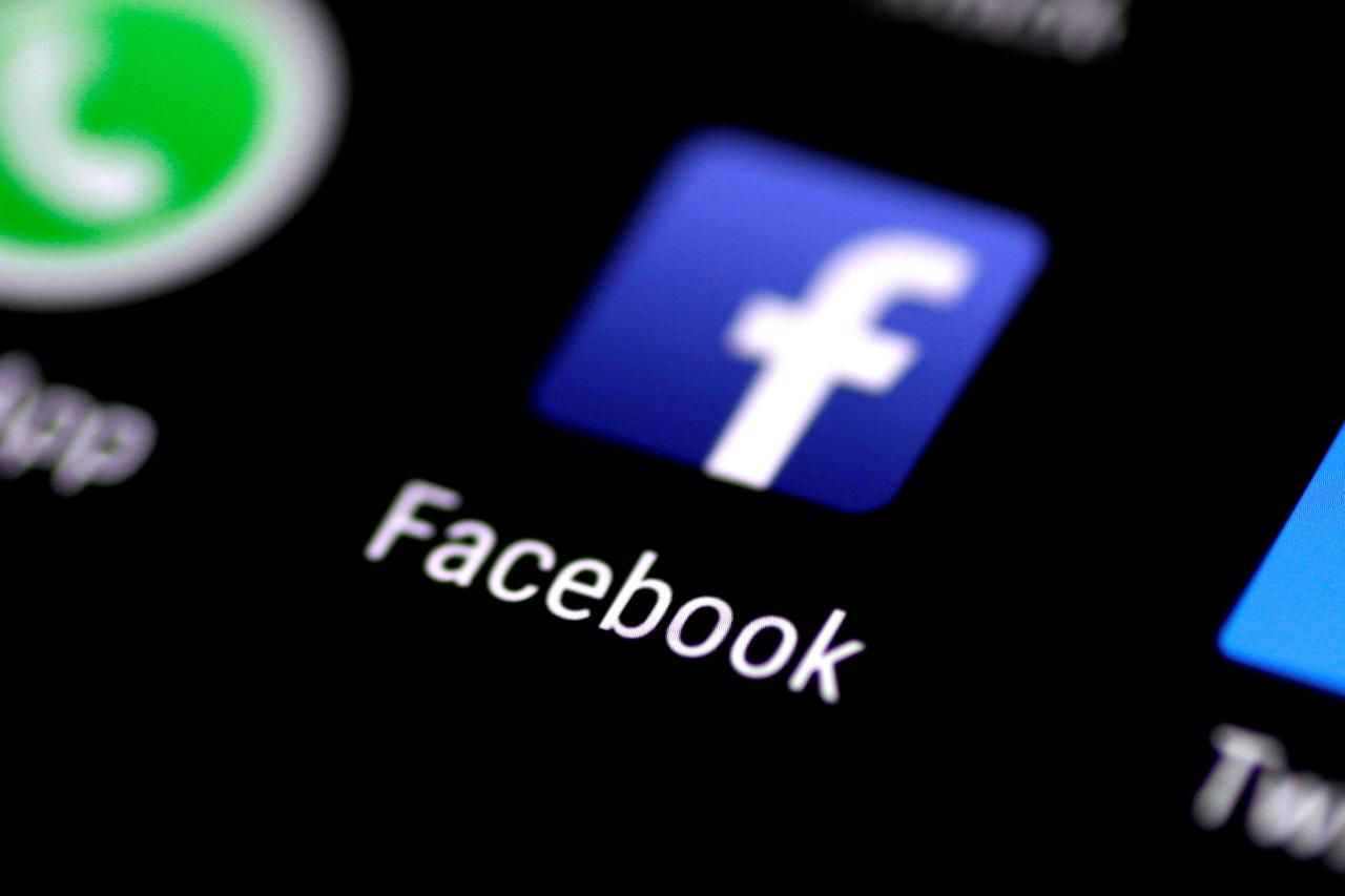 de73fb14ba87 Facebook to sell portable headset for virtual reality