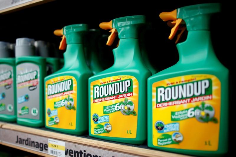 EU lawmakers demand five-year phase out of weedkiller glyphosate