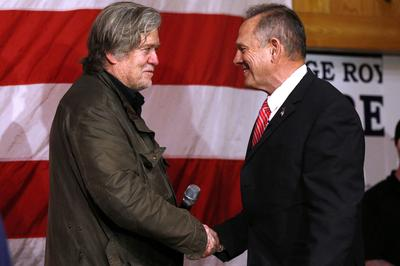 Steve Bannon campaigns with Roy Moore