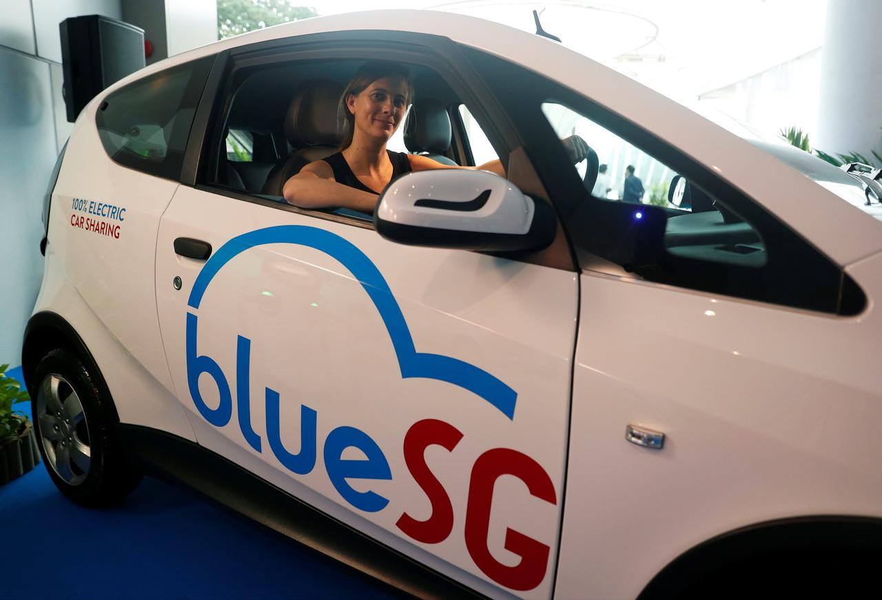 Singapore's electric car-sharing program hits the road - Reuters