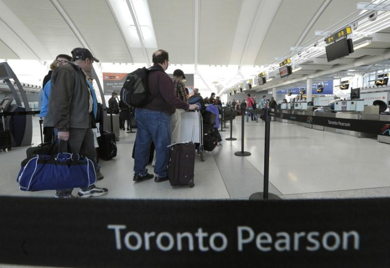 toronto airport requires extra security checks after. Black Bedroom Furniture Sets. Home Design Ideas