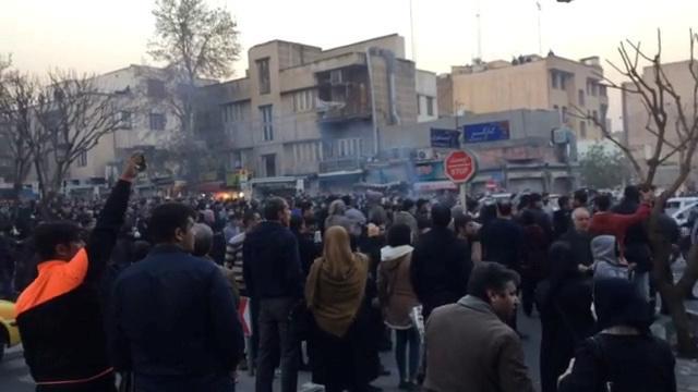 Irã diz que manifestantes devem pagar preço alto caso quebrarem a lei