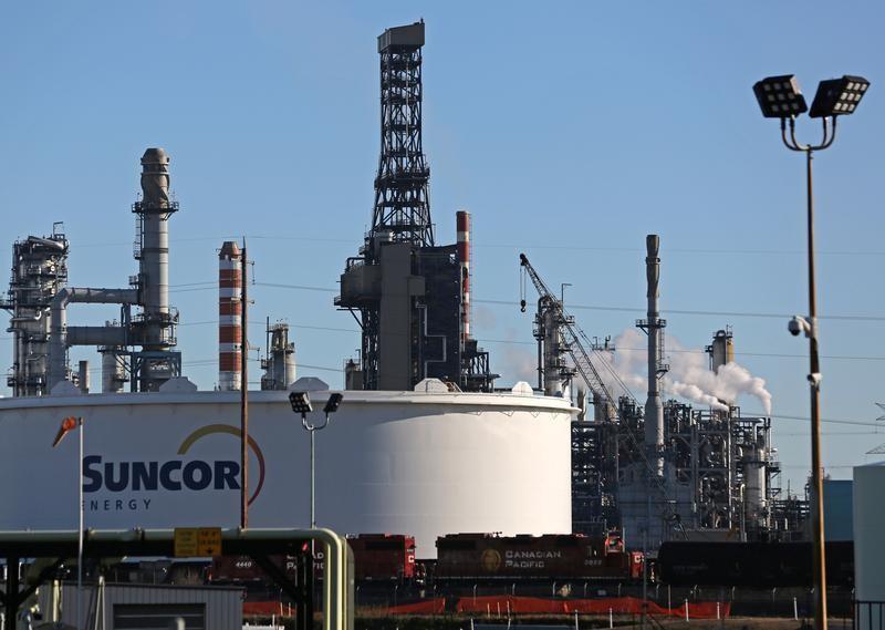 Suncor, Teck buy part of Total stake in Canada oil sands