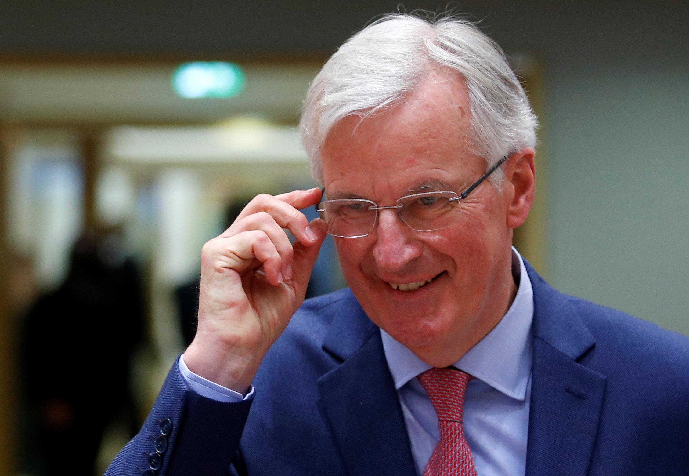 Gran Bretaña debe estar sujeta a los cambios de la UE durante la transición - Barnier de la UE