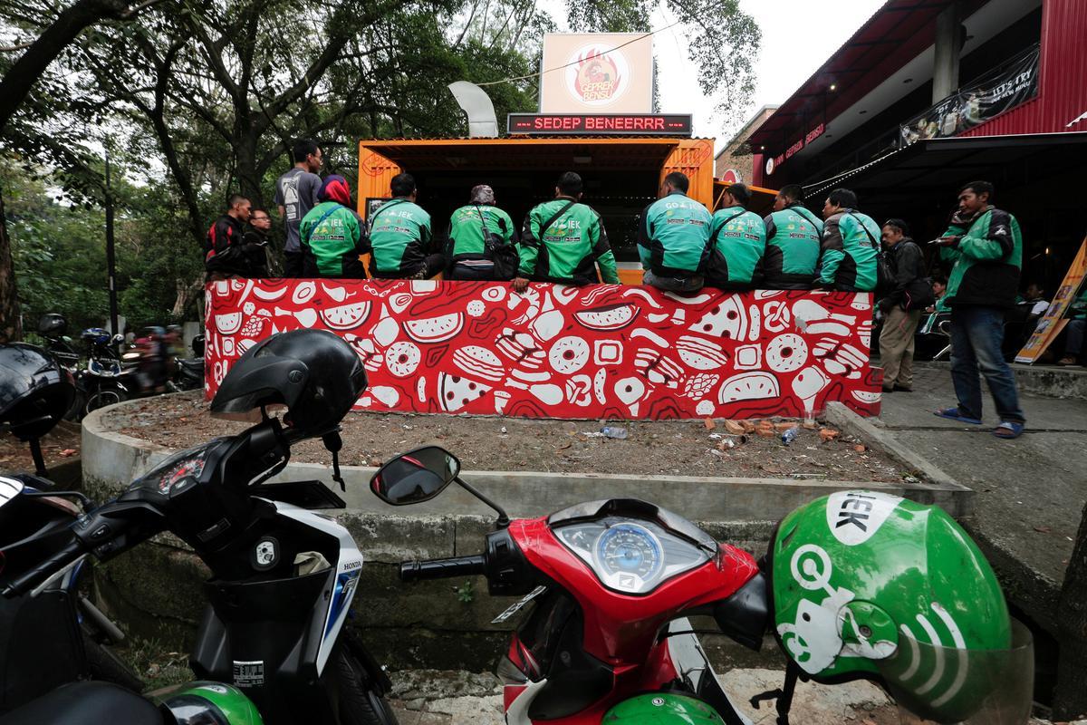 Indonesia's Go-Jek Raises $1.5 Billion As Ride-hailing