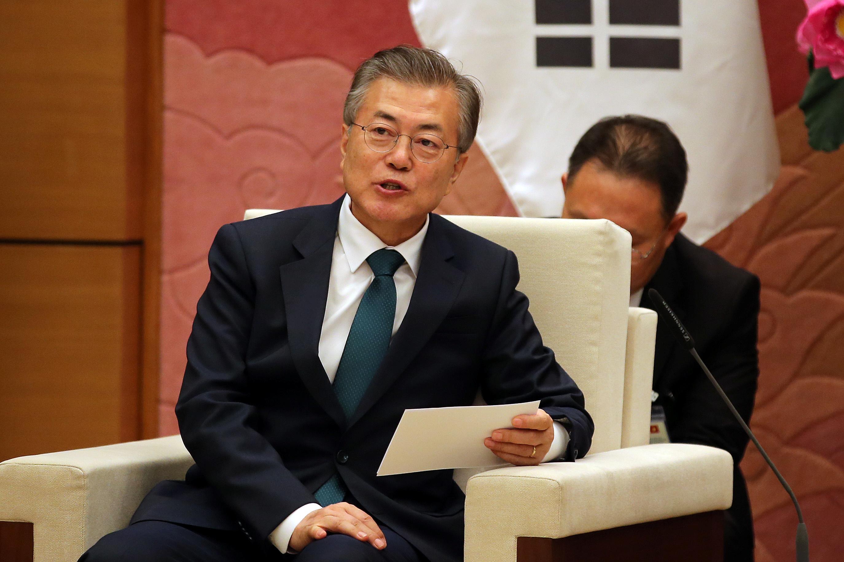 North Korea seeks 'complete denuclearisation,' Moon says; U.S. vows pressure