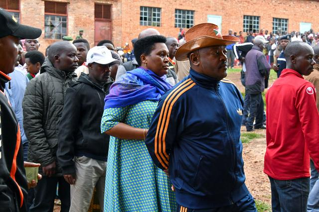 """Résultat de recherche d'images pour """"Fear casts shadow over Burundi vote on extending president's rule"""""""