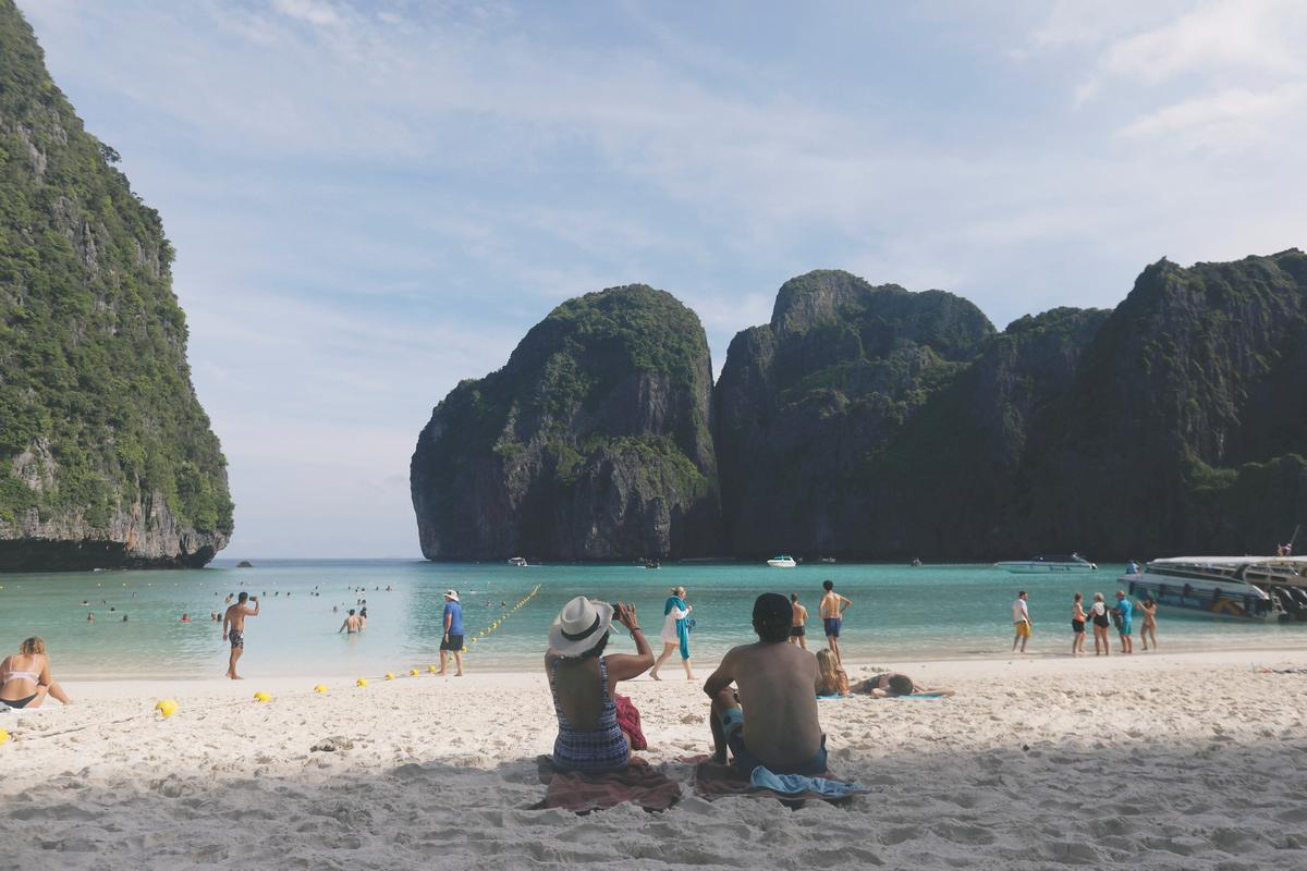 Thai bay made famous by film 'The Beach' to close for four ...