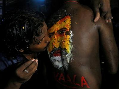 Fans cheer Rajinikanth's 'Kaala'