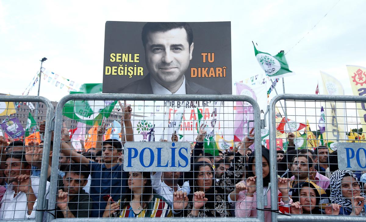 Jailed Kurdish leader may hold key in Turkish elections