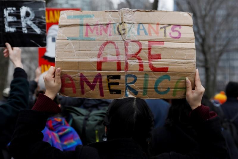 U.S. House Republicans delay immigration vote until next week