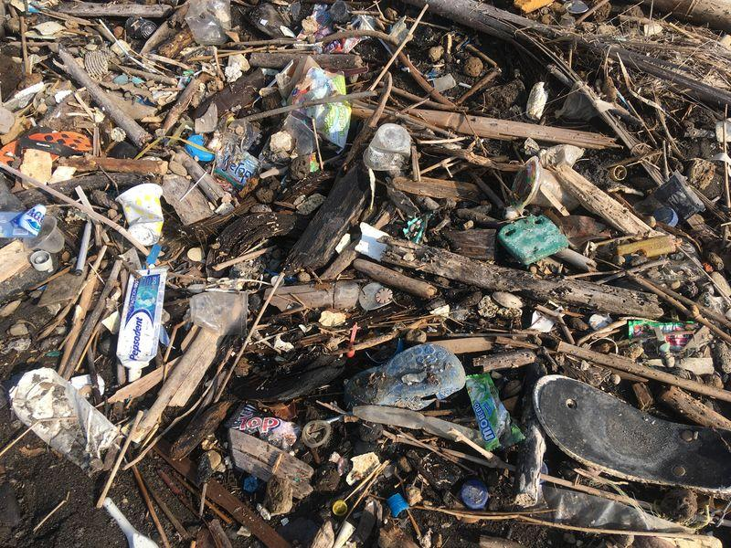 Trash Heroes And Scavenger Apps Battle Bali Garbage Emergency
