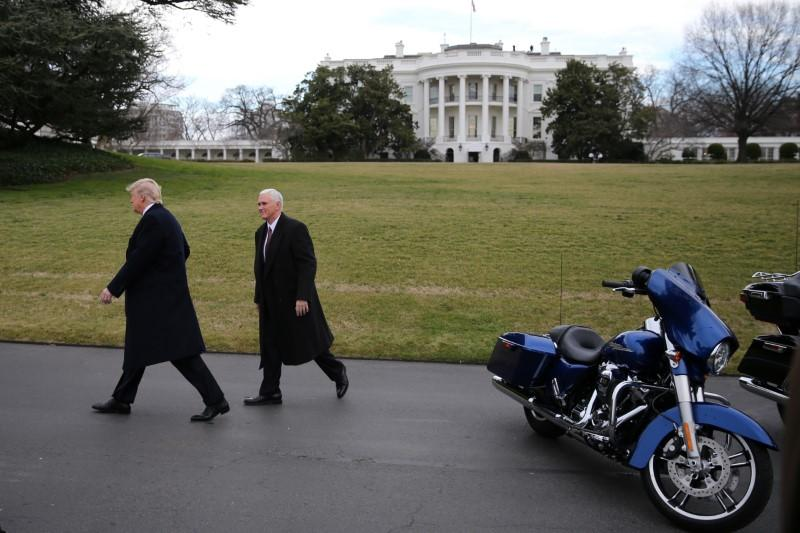 https://www.reuters.com/article/us-harley-davidson-tariffs-trump/trump-backs-boycott-of-harley-davidson-in-steel-tariff-dispute-idUSKBN1KX0J9