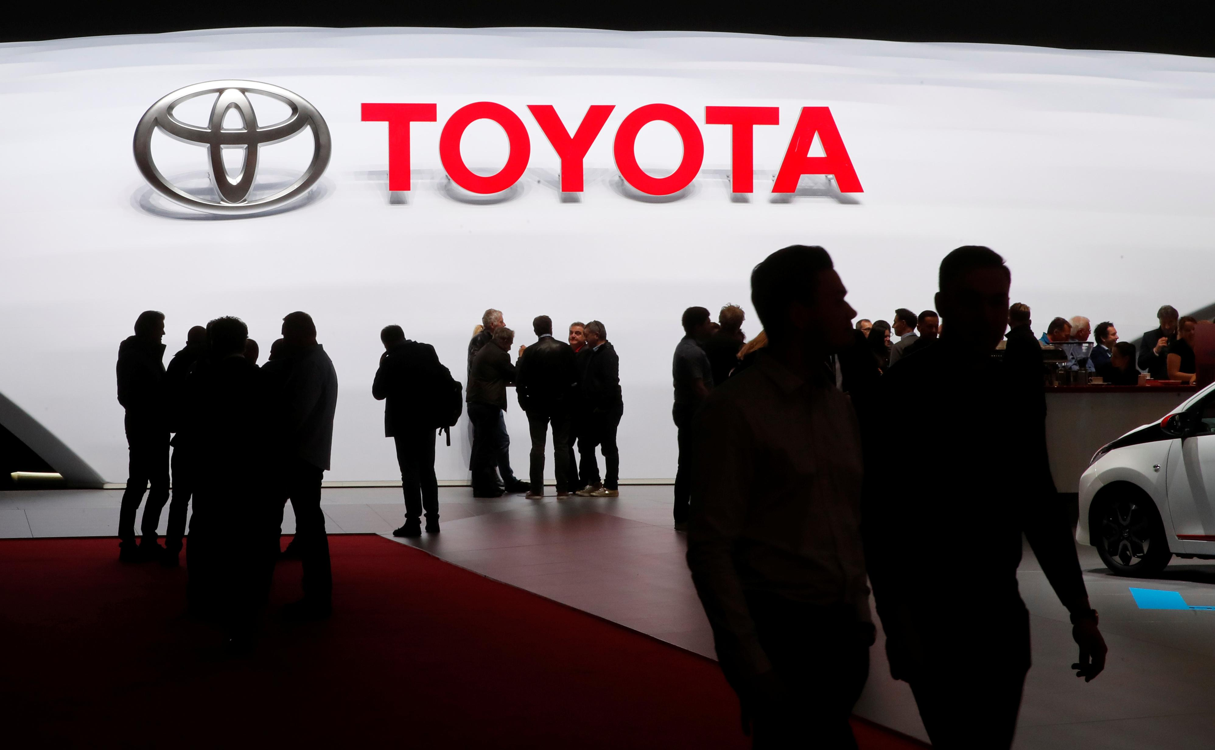 Toyota To Invest 500 Million In Uber For Self Driving Cars Reuters