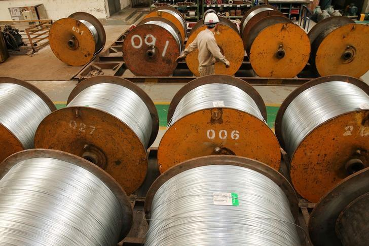Chinese steel output levels off in Aug but export orders rebound-PMI