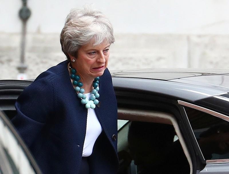 BBC – Gruppe konservativer Abgeordneter will May aus Amt drängen