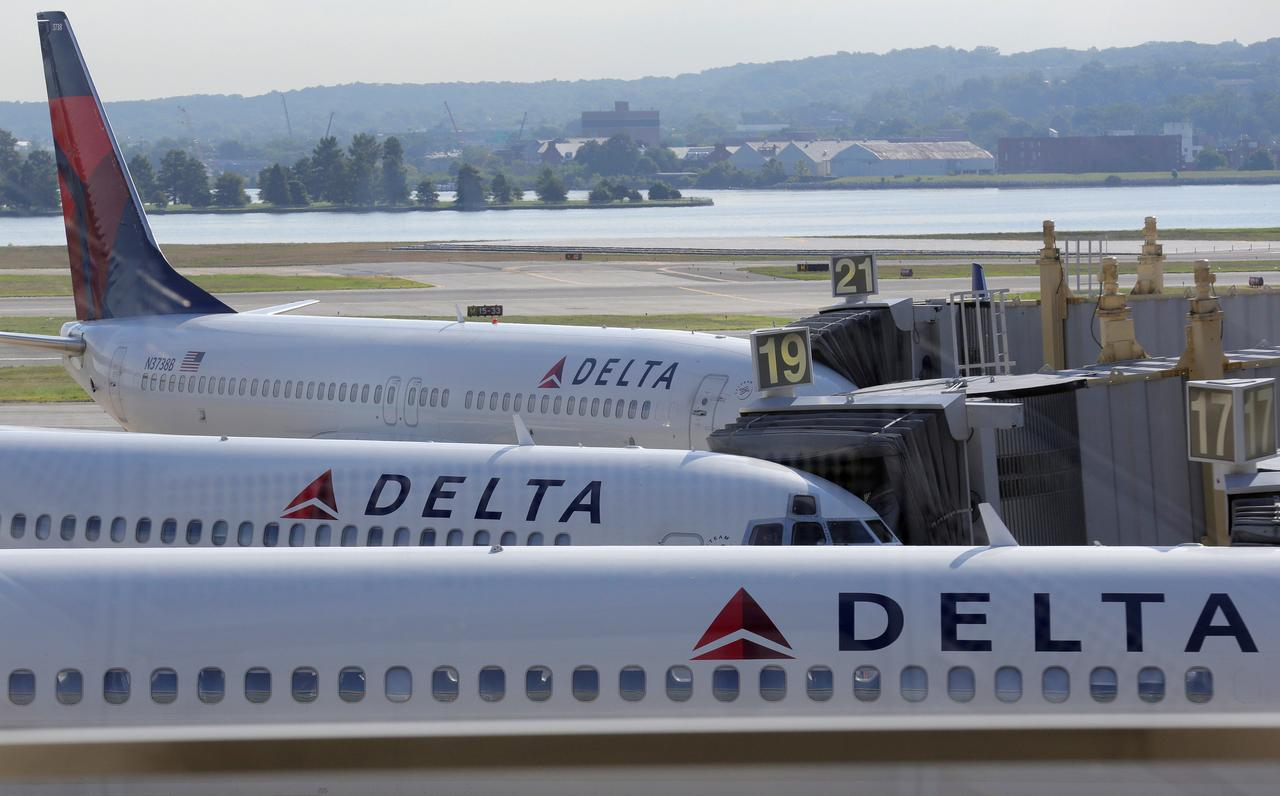Delta joins United, JetBlue in hiking U.S. baggage fees to  30   Reuters b88e87a0c0