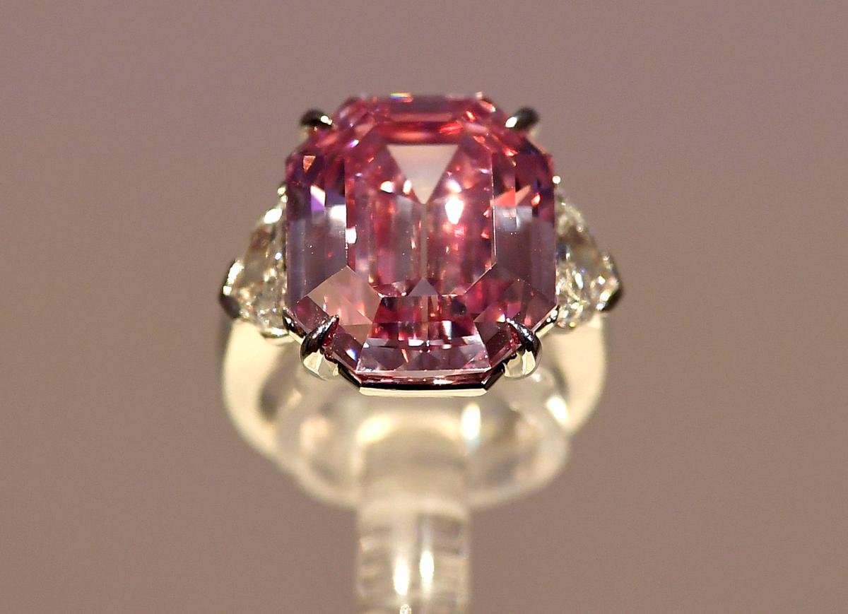 Giant Pink Diamond From Christie S A Cut Above The Rest