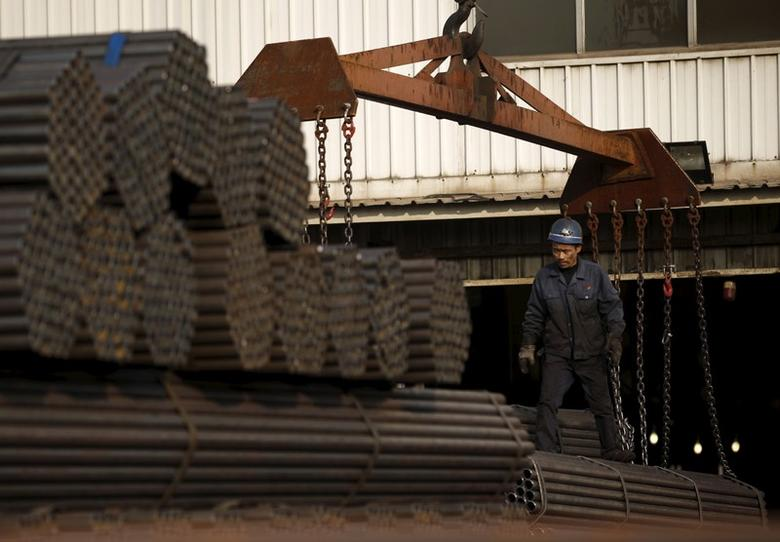 Mills in China's top steel city boost output despite winter